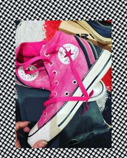 Converse All Star New ( Baru )  Sz / Uk : 38 Alasan jual karena size kegedean dikaki aku (nego dikit bole) 👌🏻