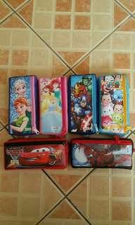 kotak pinsil beragam warna dan bentuk