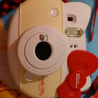 🚚 Instax Mini (hello kitty) slightly use