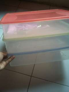 3 pc kontainer kotak kue p 36cm, L 26cm, tinggi 7 cm