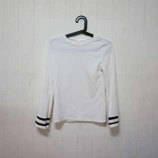 🚚 【二手衣便宜賣】FADO 白色T恤/長袖T恤 50元