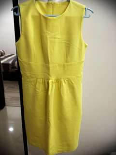 Sleeveless yellow mini dress