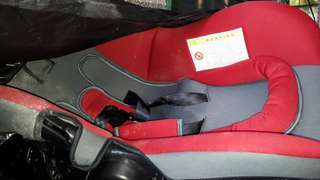 Carseat for newborn and up