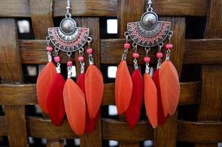 🌷 Fashion Feather and Tassle Earrings for sale!