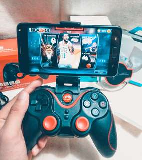 Asus Zenfone 4 max with S5 Gengame controller and wireless fantasy charger