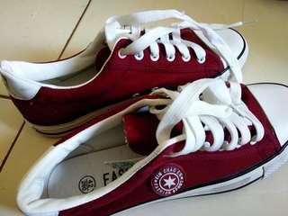 Sepatu Kets Merk Fashion (baca deskripsi)