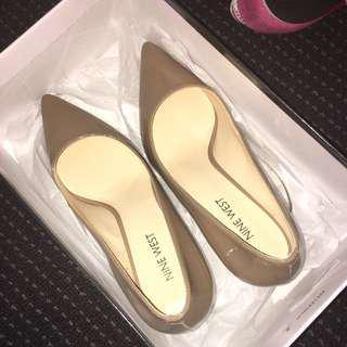 Size 6 Nine West Patent Nude Shoes