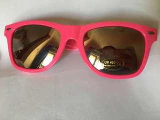 粉紅色太陽眼鏡