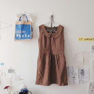 棕色無袖連身裙