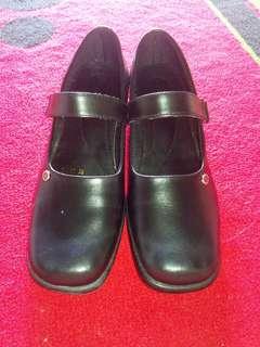 Sepatu wanita/ sepatu pantofel wanita / sepatu guru/ pantofel wanita