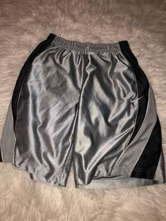 Nike Basketball Shorts // Size S