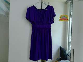 紫色連身裙