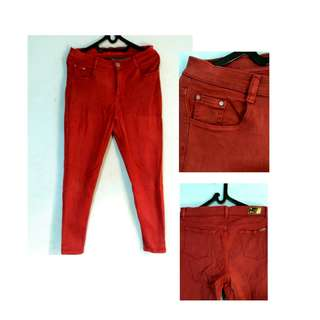 Jeans Merah Bata Leara Woman