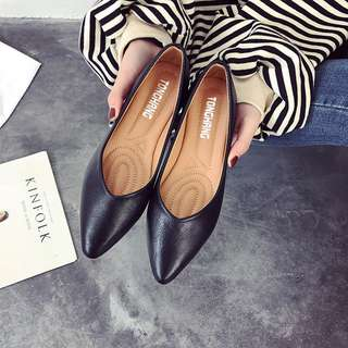 Women Pointed Flat Shoes Simple Casual Fashion Daily Wear Ladies Plus Size Shoes [Black/White/Peach/Beige]