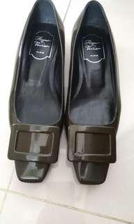 🚚 RV 低跟鞋