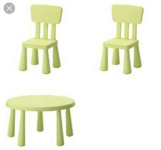 Table & Chairs 9/10