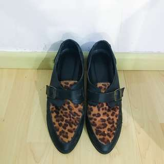 Forever 21 leopard printed shoes
