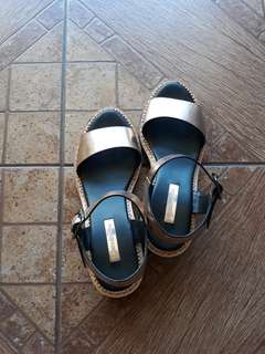 Stradivarius block sandals