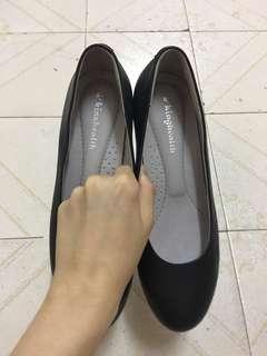 女裝 黑色 皮鞋 見工 面試 有爭 斯文 OL