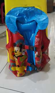 Pelampung mickey mouse