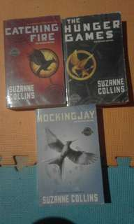 HUNGER GAMES TRILOGY BUNDLE