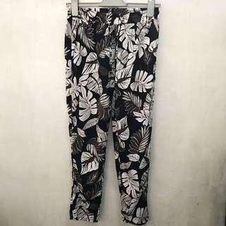 Bench floral trousers