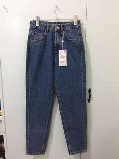 Zara Vintage Mom Jeans in Medium Blue