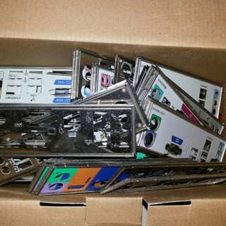 8 X laptop hd holders and 60 pieces of backplates, of various types of course..offer