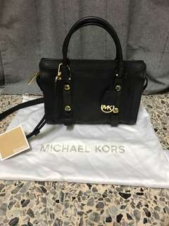 Michael Kors (Authentic)