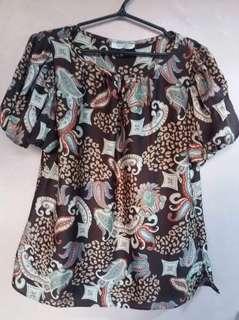 DETAILS silk blouse M