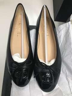 Chanel Flats Black shoes