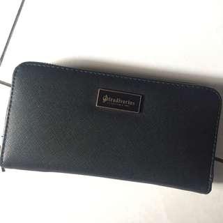 Stradivarius dompet hitam