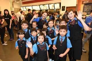 免費親子活動🍟麥當勞辦職場體驗日🍔經理💛咖啡師💜推廣💚組員💙