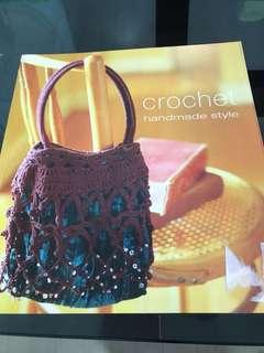 🚚 crochet book for sale