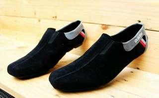 Sepatu Adidas slop suede