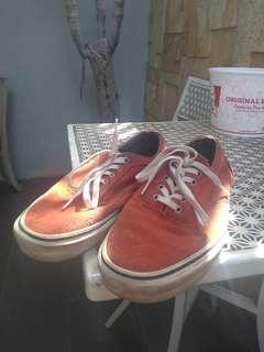 Sepatu Pull n Bear (unisex) ukuran 41