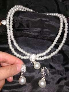 新娘結婚用品 仿珍珠頸鏈+lace手襪 HKD40