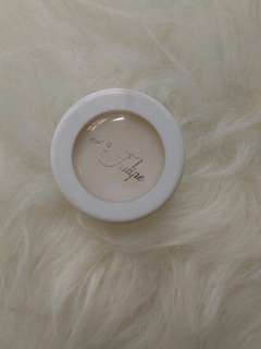 La Tulipe Base Eye Shadow