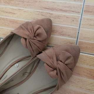 Tan Pointed Shoes