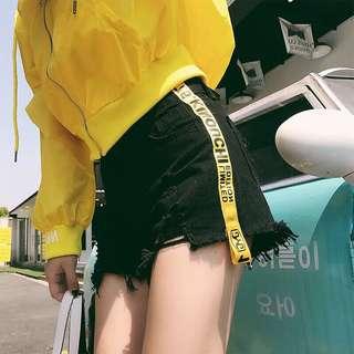 🚚 黃條紋牛仔短褲