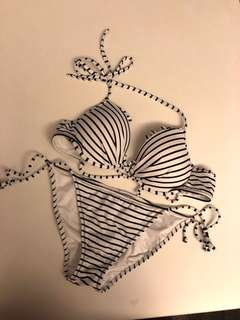 <New> Victoria's Secret Bikini Set