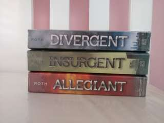 Divergent Series by Veronica Roth