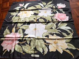 Salvatore ferragamo classics pattern 100% silk twill scarf