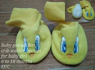Baby pre-walker crib booties