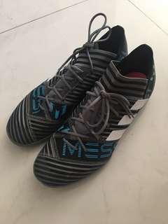 Adidas 足球鞋 US8.5