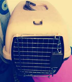 Pre loved pet carrier for meduim dogs