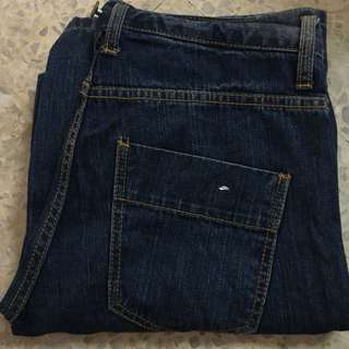 Jeans Uniqlo Size 33 Cutting Straight