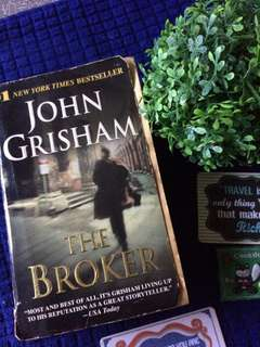 THE BROKER-John Grisham