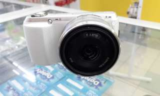 Sony Nex C3 Camera second hand