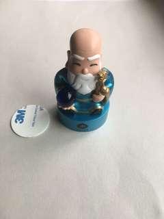 FP! BNIB Marina Bay Sands god of fortune deity figurine crystal ball fengshui element